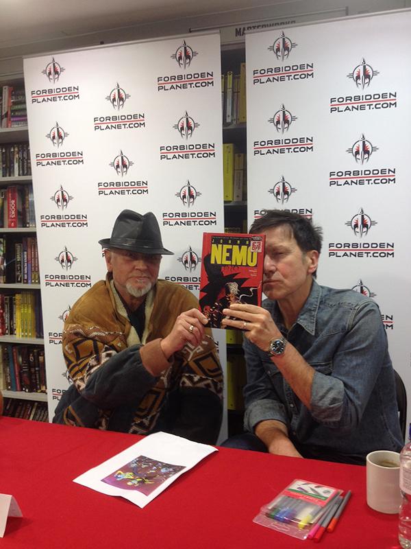 Brett Ewins (izquierda) y Peter Milligan (derecha)