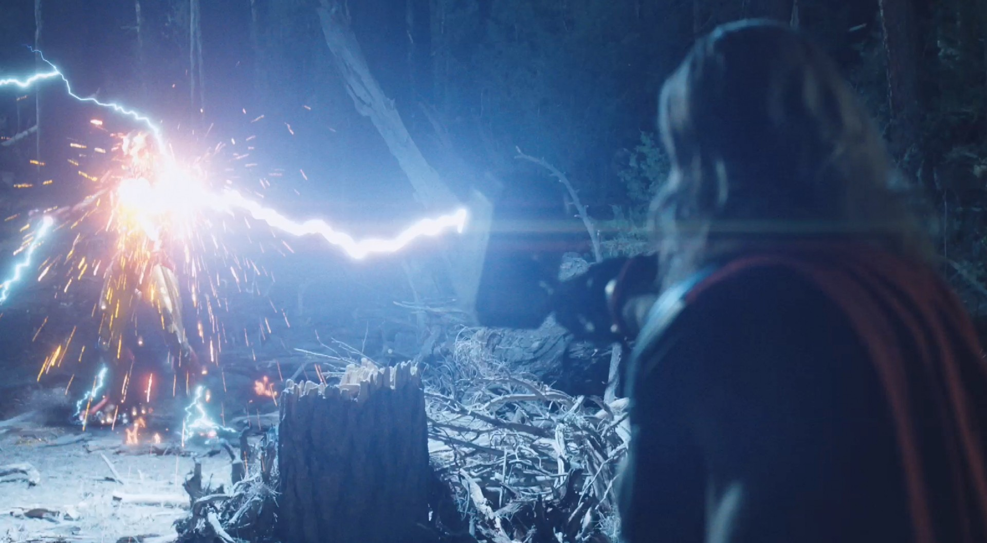 thor-vs-iron-man-in-the-avengers-2012