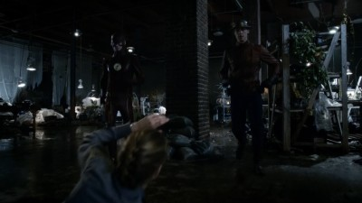 The Flash S02E02 Flash of Two Worlds