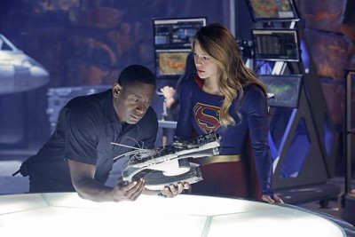 SUPERGIRL S01E05 How Does She Do It
