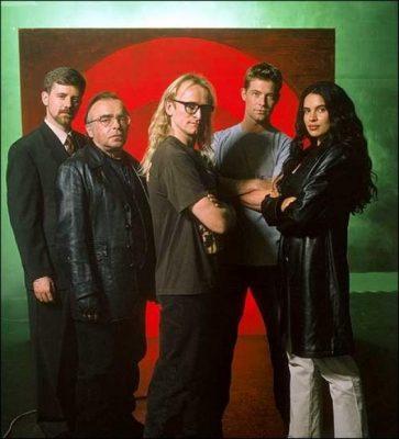 El cast de la serie The Lone Gunmen