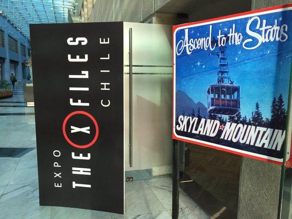 Artículos de utilería, por el Grupo The X-Files Chile
